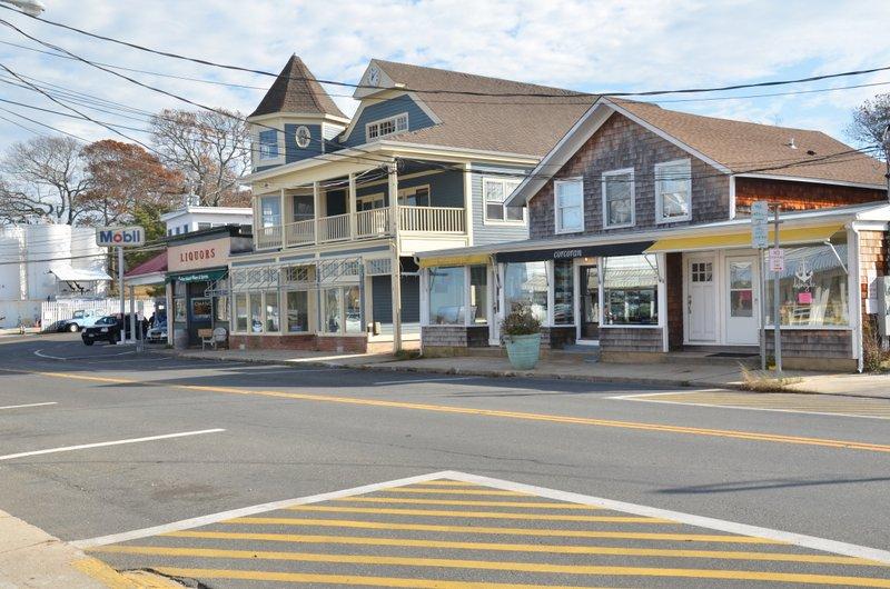 Shops in Dering Harbor